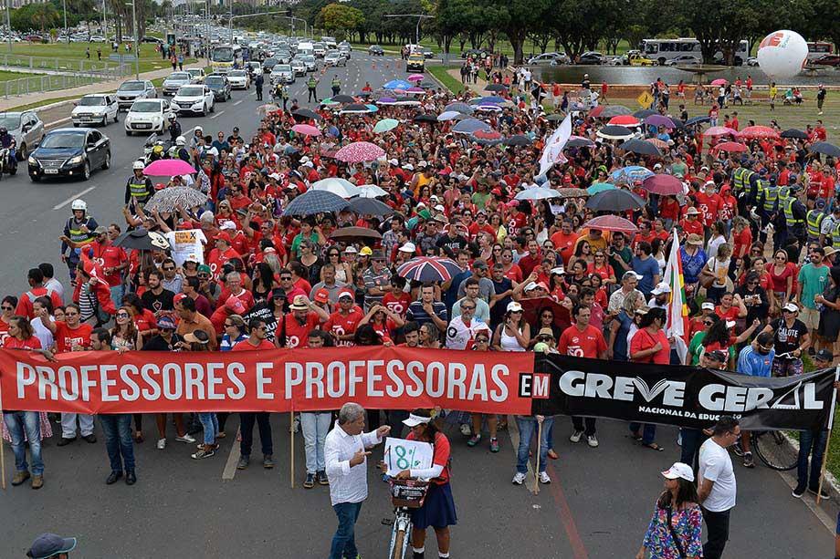 2017.04.04_Assembleia Geral_Deva Garcia (2)
