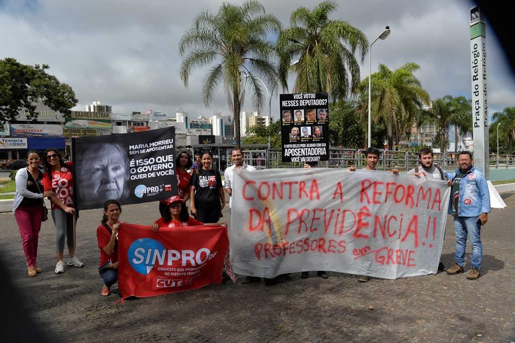 2017.03.30_Ato praca do relogio_Deva Garcia (14)