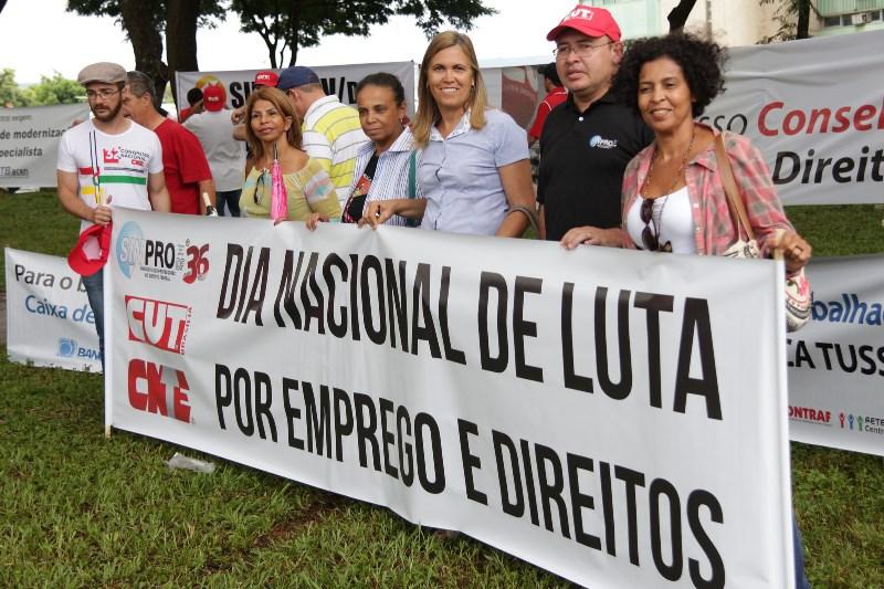 2015.01.28 - Ato Público pelo Dia Nacional de Lutas em Defesa dos Direitos e do Emprego_Foto (1)