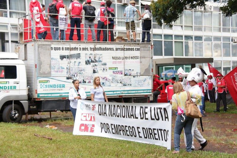 2015.01.28 - Ato Público pelo Dia Nacional de Lutas em Defesa dos Direitos e do Emprego_Foto (17)