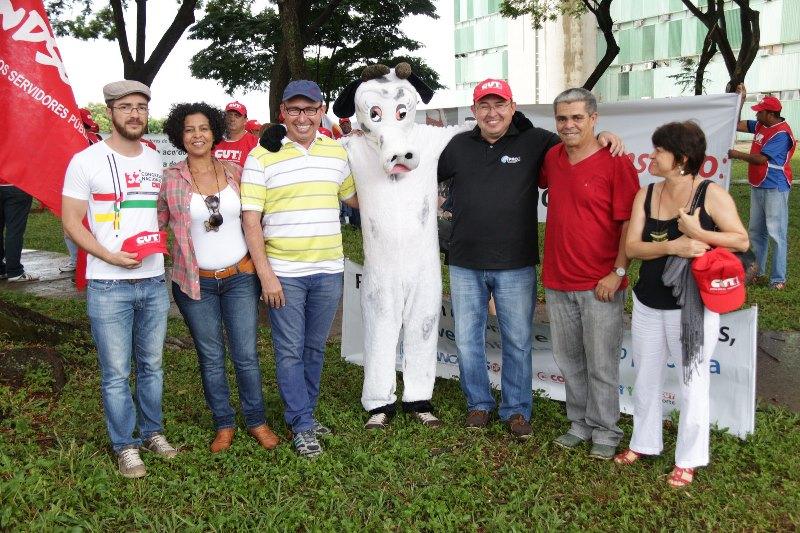 2015.01.28 - Ato Público pelo Dia Nacional de Lutas em Defesa dos Direitos e do Emprego_Foto (2)