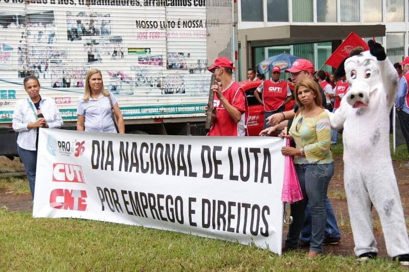 2015.01.28 - Ato Público pelo Dia Nacional de Lutas em Defesa dos Direitos e do Emprego_Foto (9)