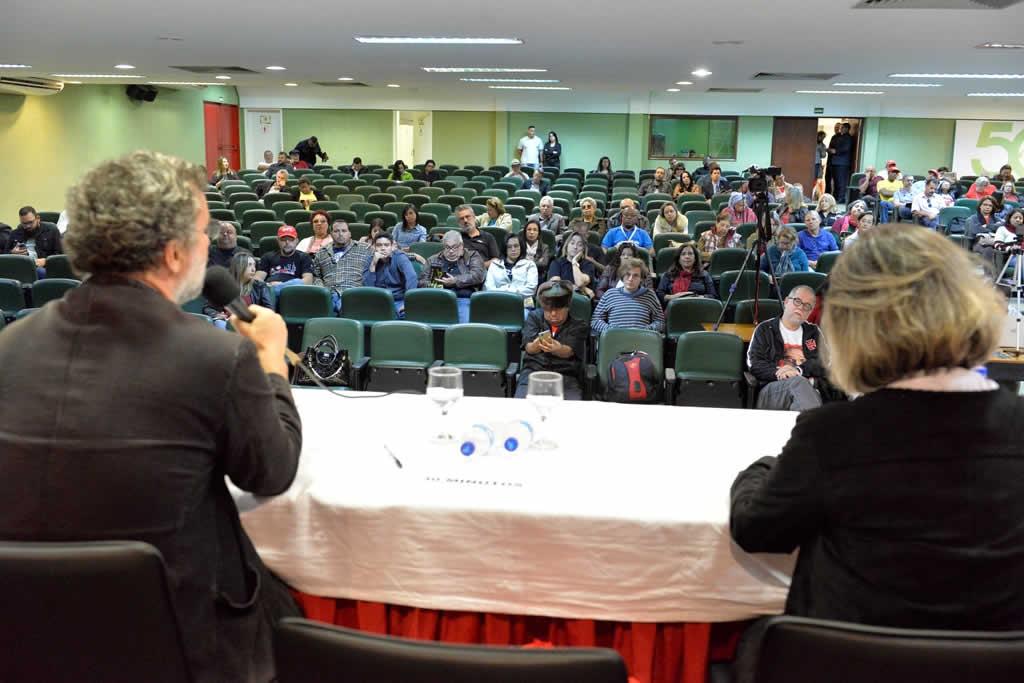 2017.07.14 MANHA_Congresso cut Brasilia-fotos Deva Garcia (4)