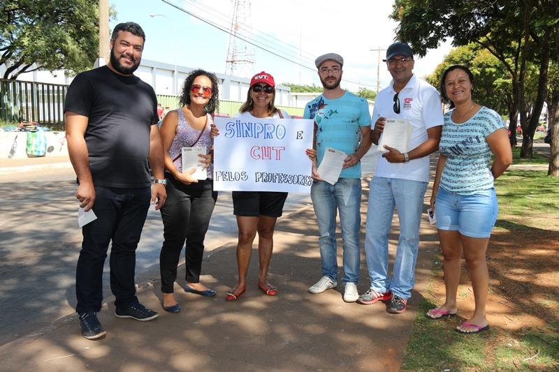 2015.01.13 - Panfletagem em Ceilândia_Foto (8)