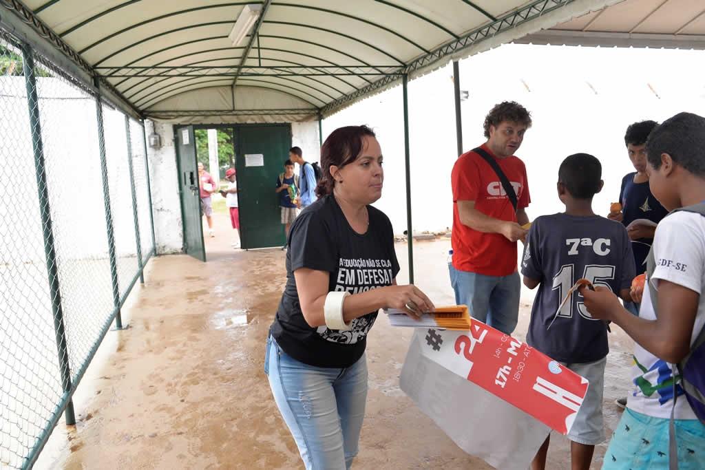 2017.05.20_Panfletagem no paranoa -foto Deva Garcia (7)
