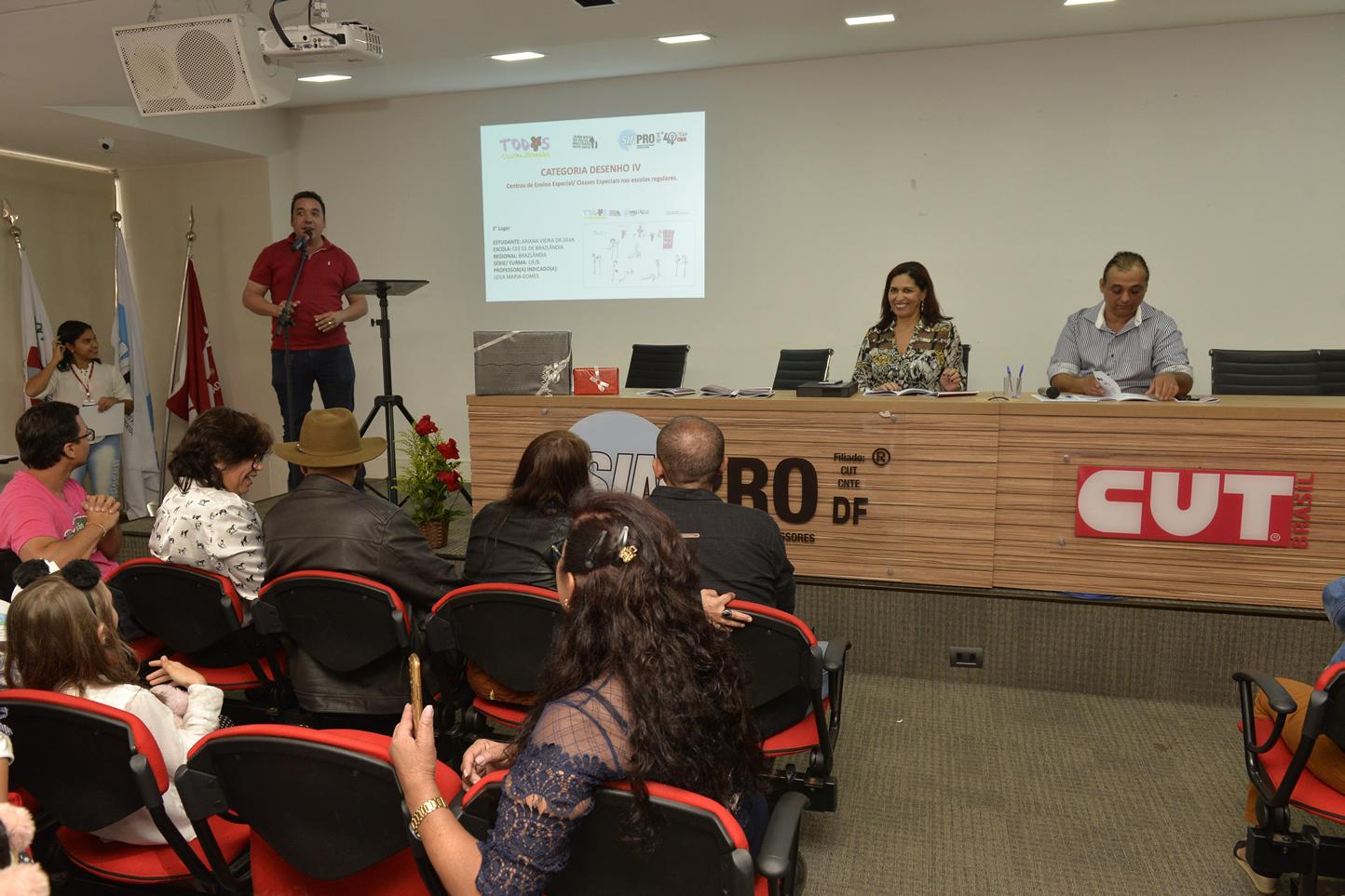 2019.05.16_PREMIACAO-DO-X-CONCURSO-DE-REDACAO_fotos-Deva-Garcia-1