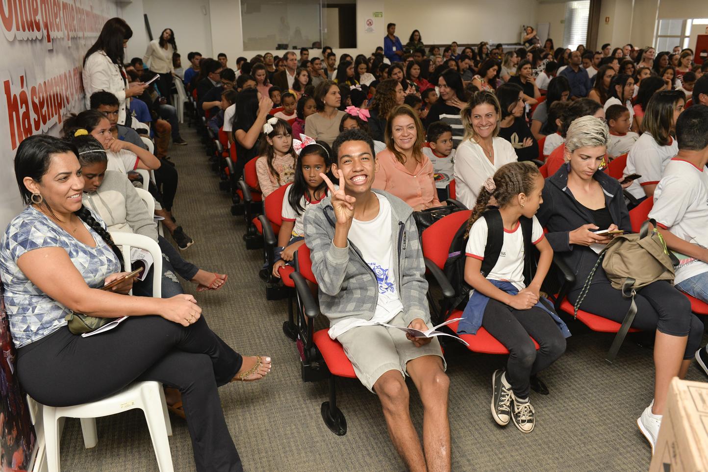 2019.05.16_PREMIACAO-DO-X-CONCURSO-DE-REDACAO_fotos-Deva-Garcia-11