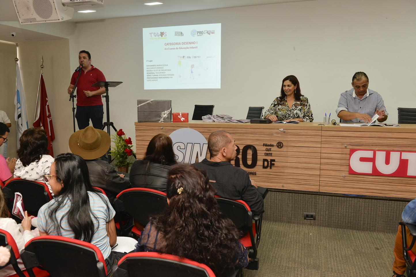 2019.05.16_PREMIACAO-DO-X-CONCURSO-DE-REDACAO_fotos-Deva-Garcia-3
