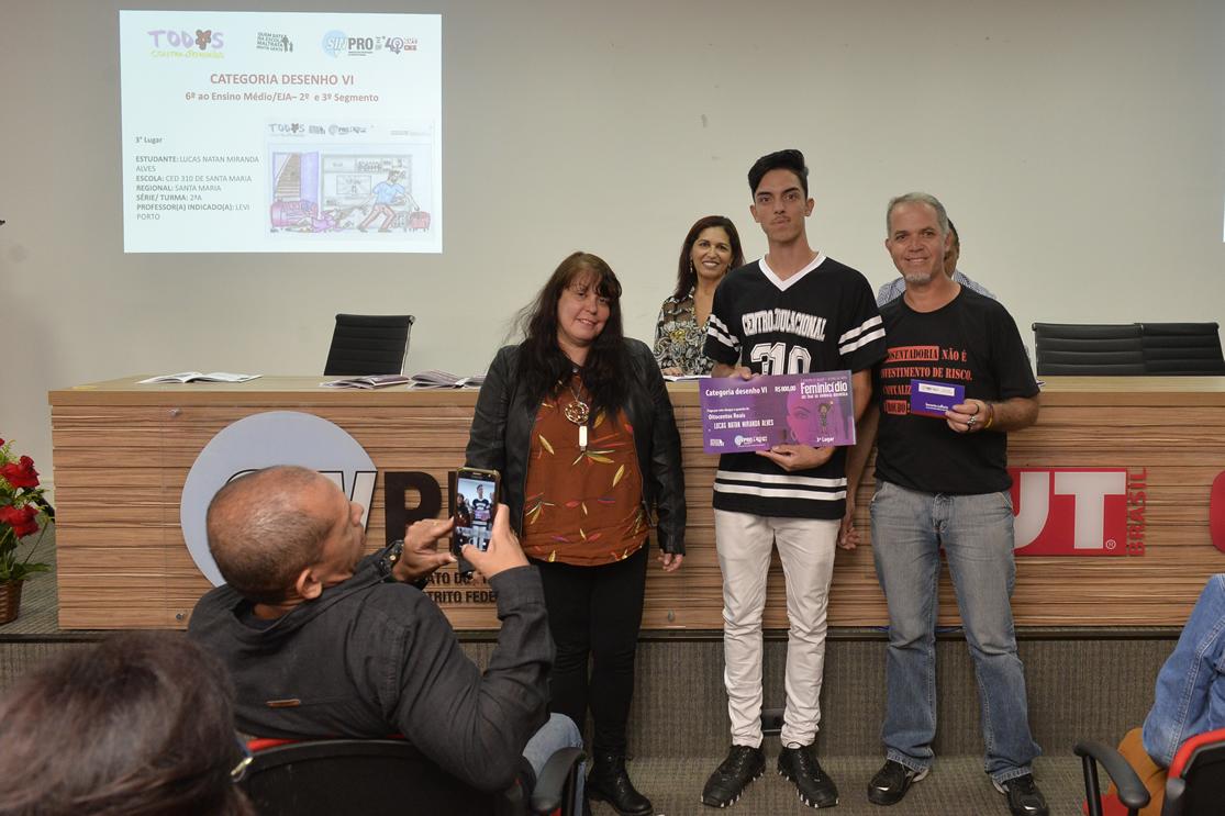 2019.05.16_PREMIACAO-DO-X-CONCURSO-DE-REDACAO_fotos-Deva-Garcia-37