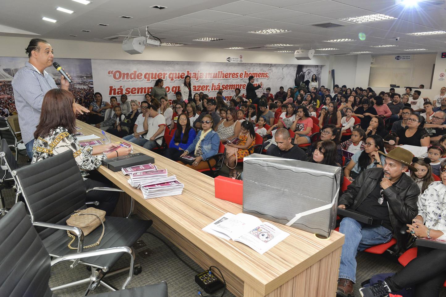 2019.05.16_PREMIACAO-DO-X-CONCURSO-DE-REDACAO_fotos-Deva-Garcia-7