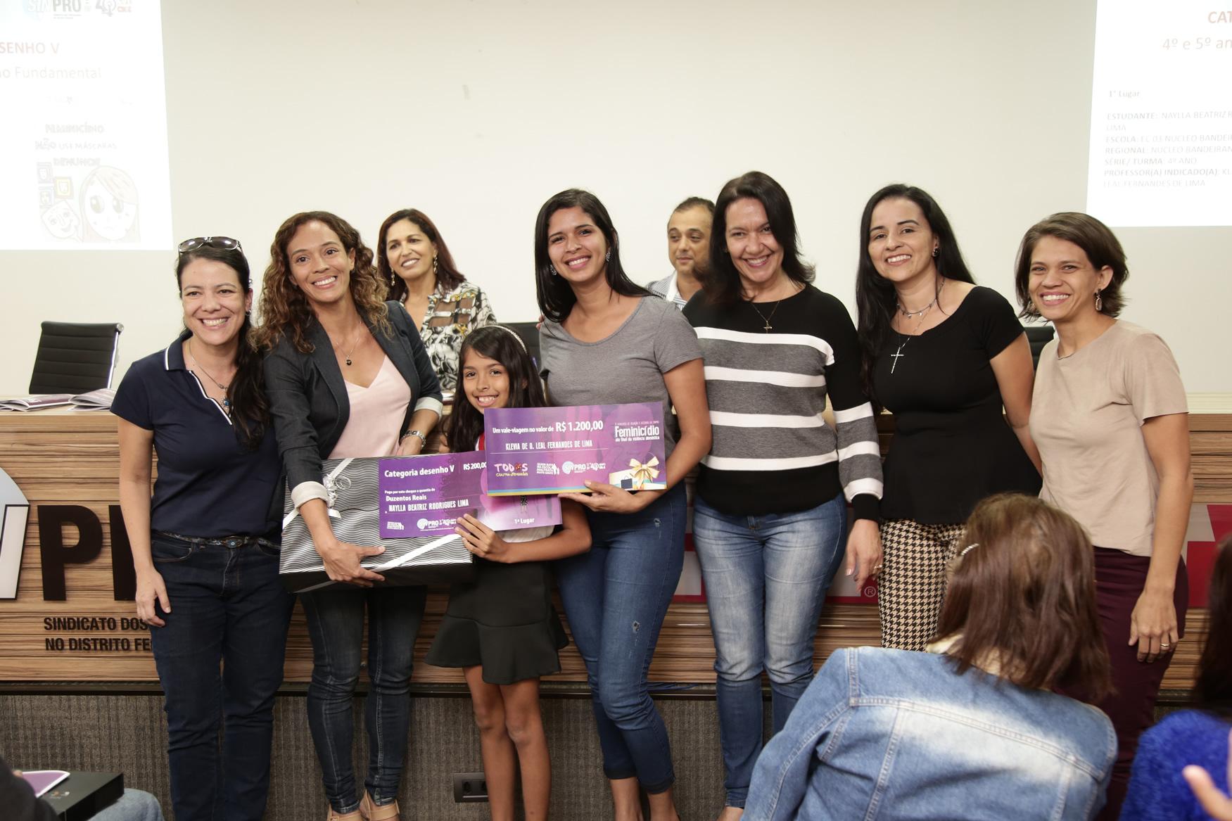 2019.05.19-Premiacao-do-X-Concurso-de-Redacao-do-Sinpro-DF_fotos-ECOM-107