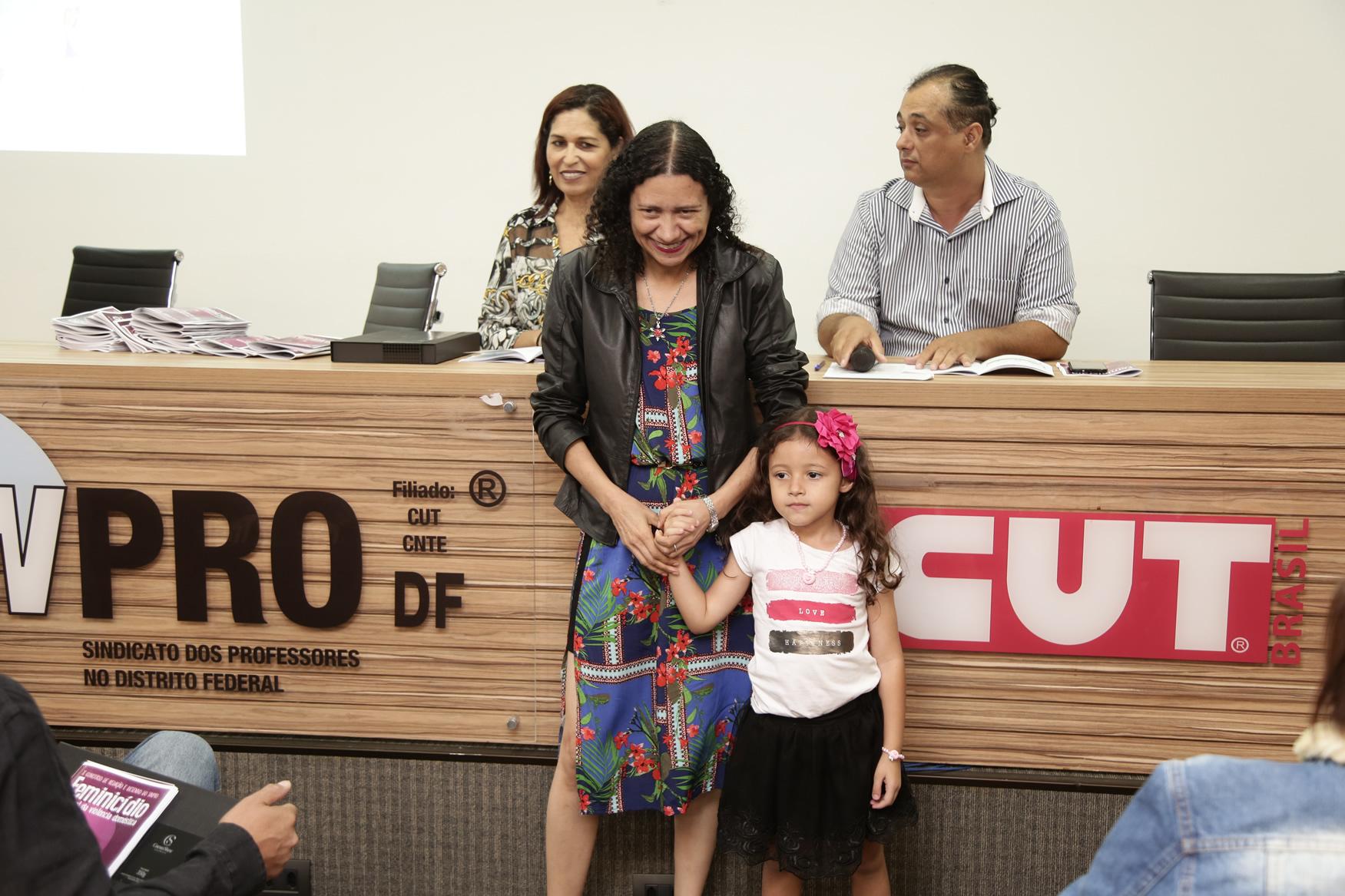 2019.05.19-Premiacao-do-X-Concurso-de-Redacao-do-Sinpro-DF_fotos-ECOM-131