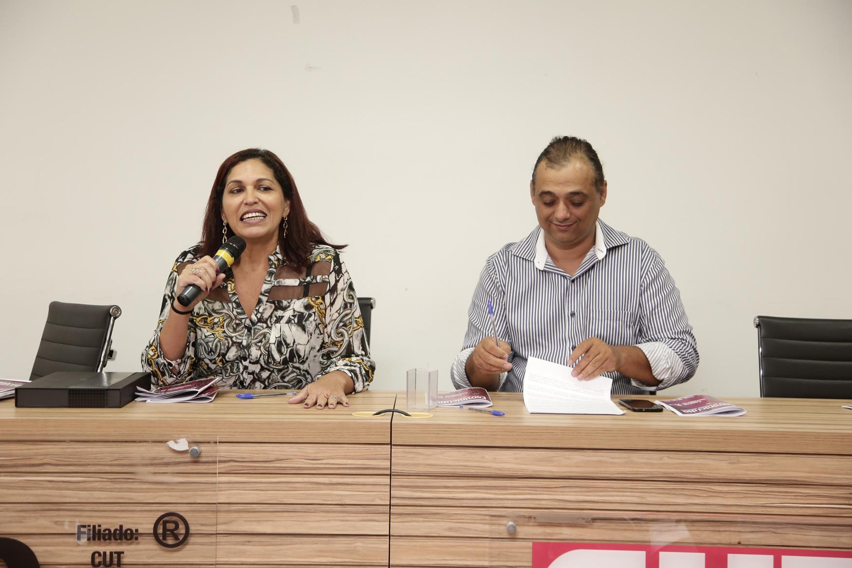 2019.05.19-Premiacao-do-X-Concurso-de-Redacao-do-Sinpro-DF_fotos-ECOM-145