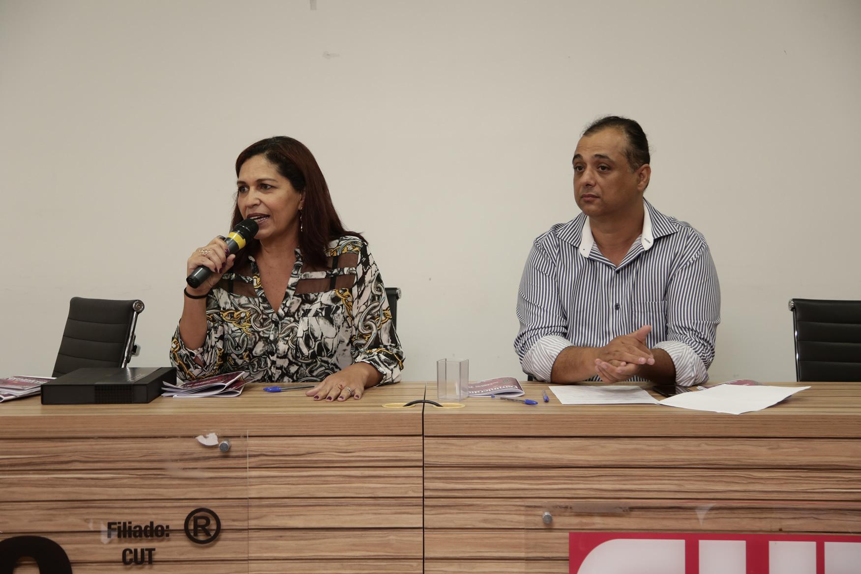 2019.05.19-Premiacao-do-X-Concurso-de-Redacao-do-Sinpro-DF_fotos-ECOM-159