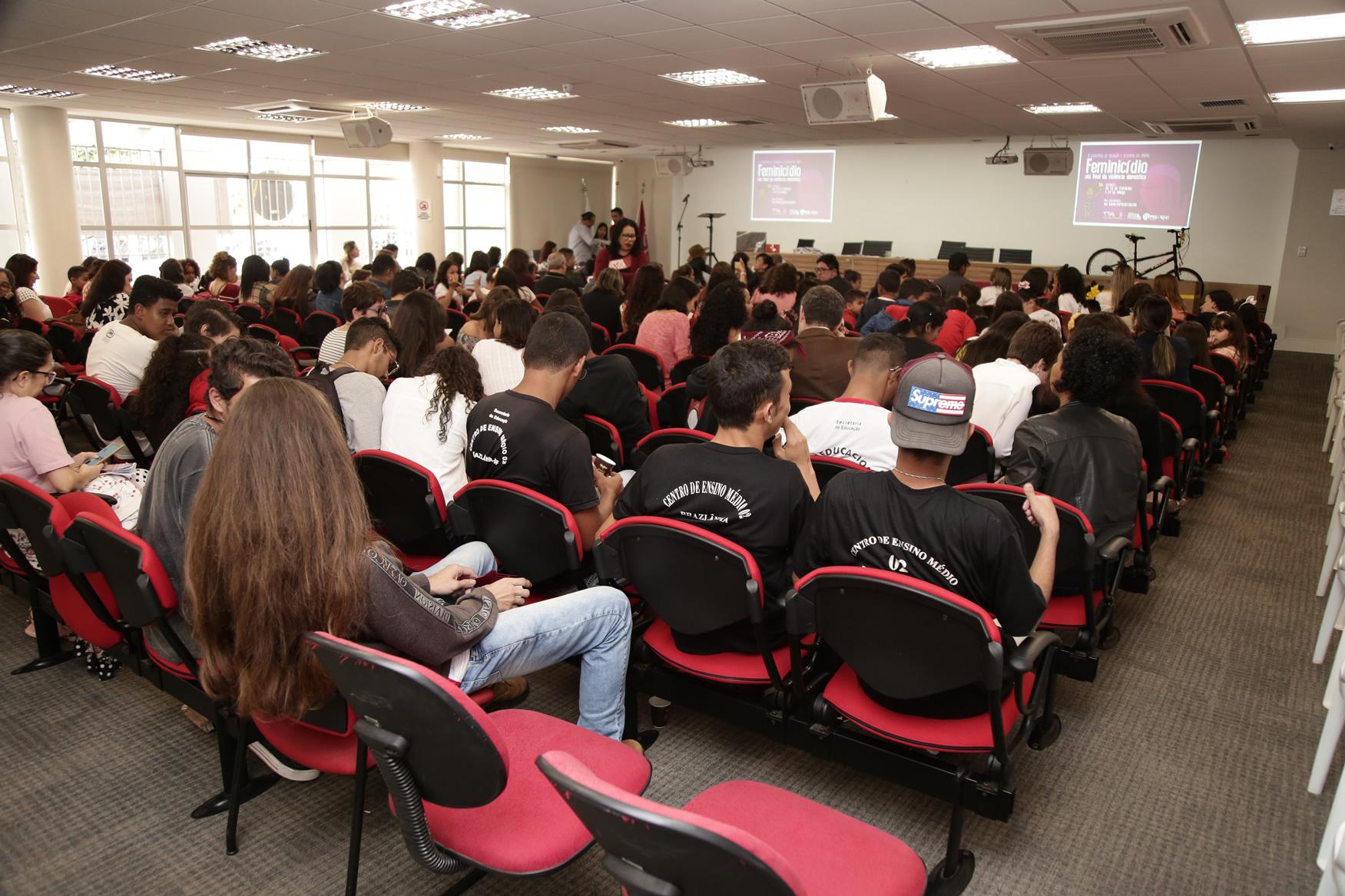 2019.05.19-Premiacao-do-X-Concurso-de-Redacao-do-Sinpro-DF_fotos-ECOM-167