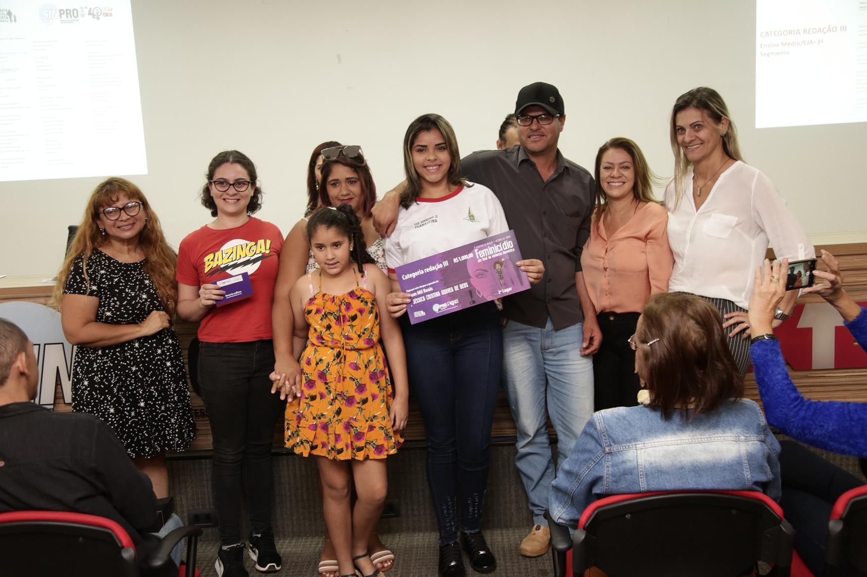2019.05.19-Premiacao-do-X-Concurso-de-Redacao-do-Sinpro-DF_fotos-ECOM-17