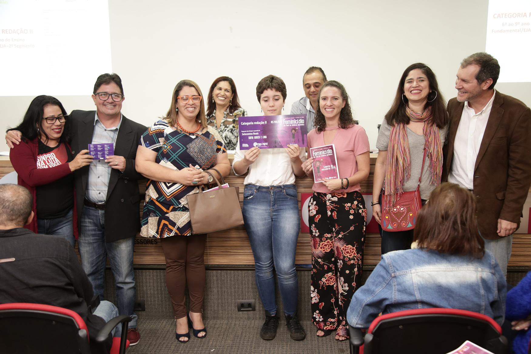 2019.05.19-Premiacao-do-X-Concurso-de-Redacao-do-Sinpro-DF_fotos-ECOM-28