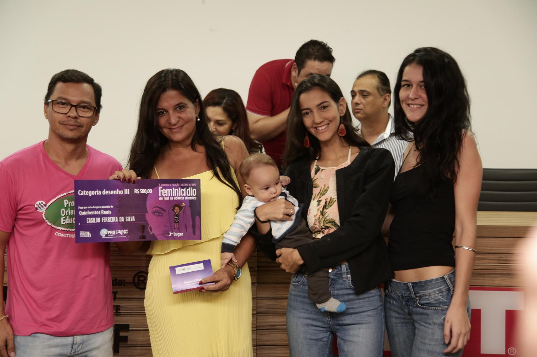 2019.05.19-Premiacao-do-X-Concurso-de-Redacao-do-Sinpro-DF_fotos-ECOM-37