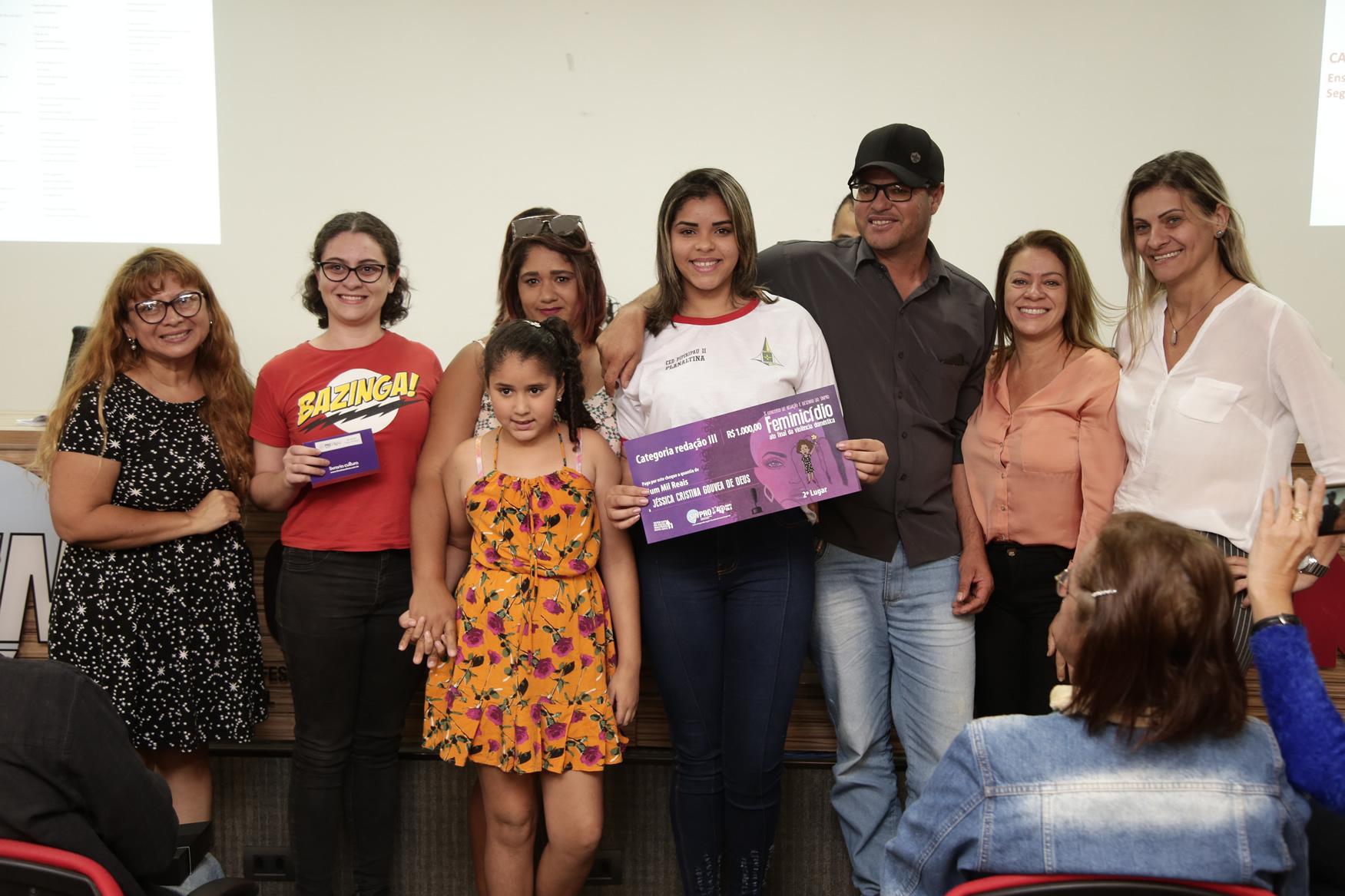 2019.05.19-Premiacao-do-X-Concurso-de-Redacao-do-Sinpro-DF_fotos-ECOM-48