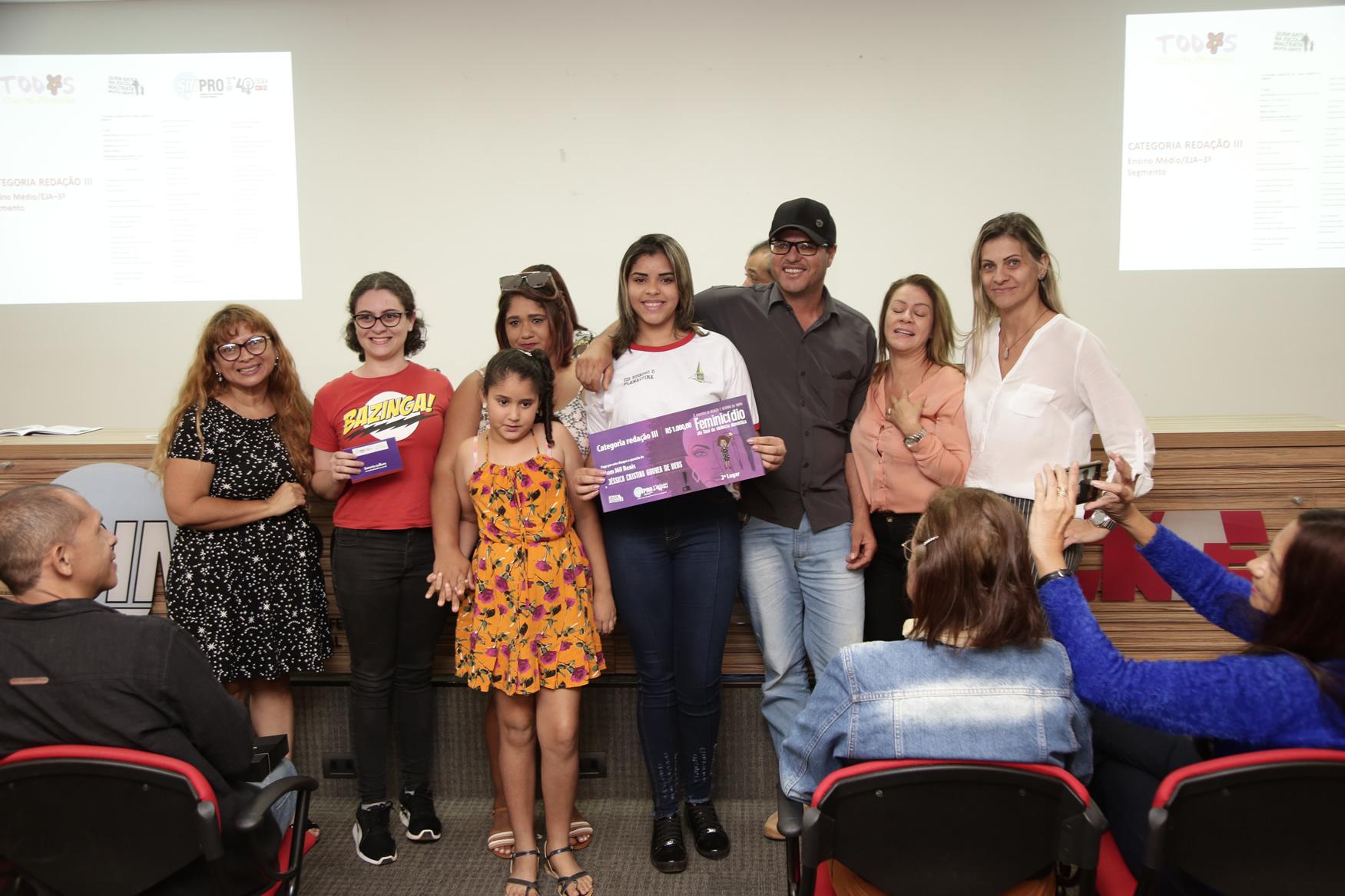 2019.05.19-Premiacao-do-X-Concurso-de-Redacao-do-Sinpro-DF_fotos-ECOM-49