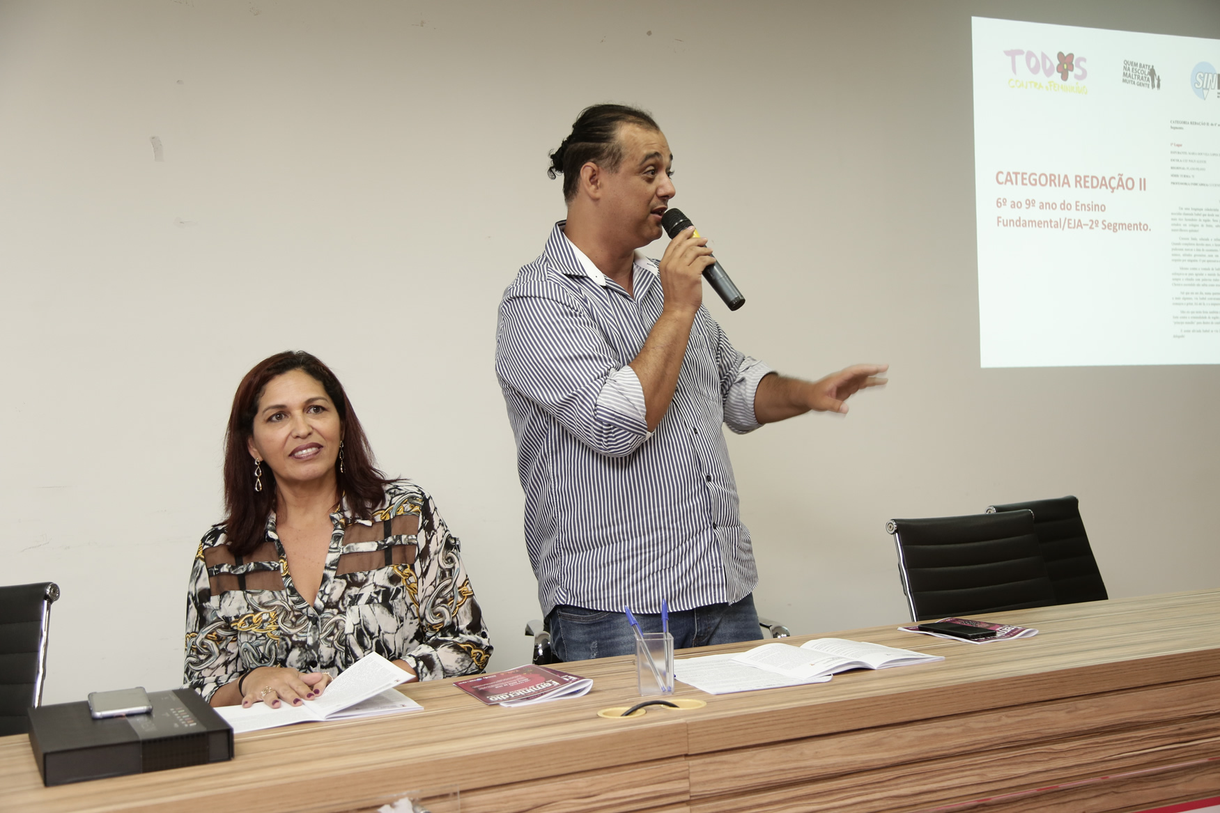 2019.05.19-Premiacao-do-X-Concurso-de-Redacao-do-Sinpro-DF_fotos-ECOM-56