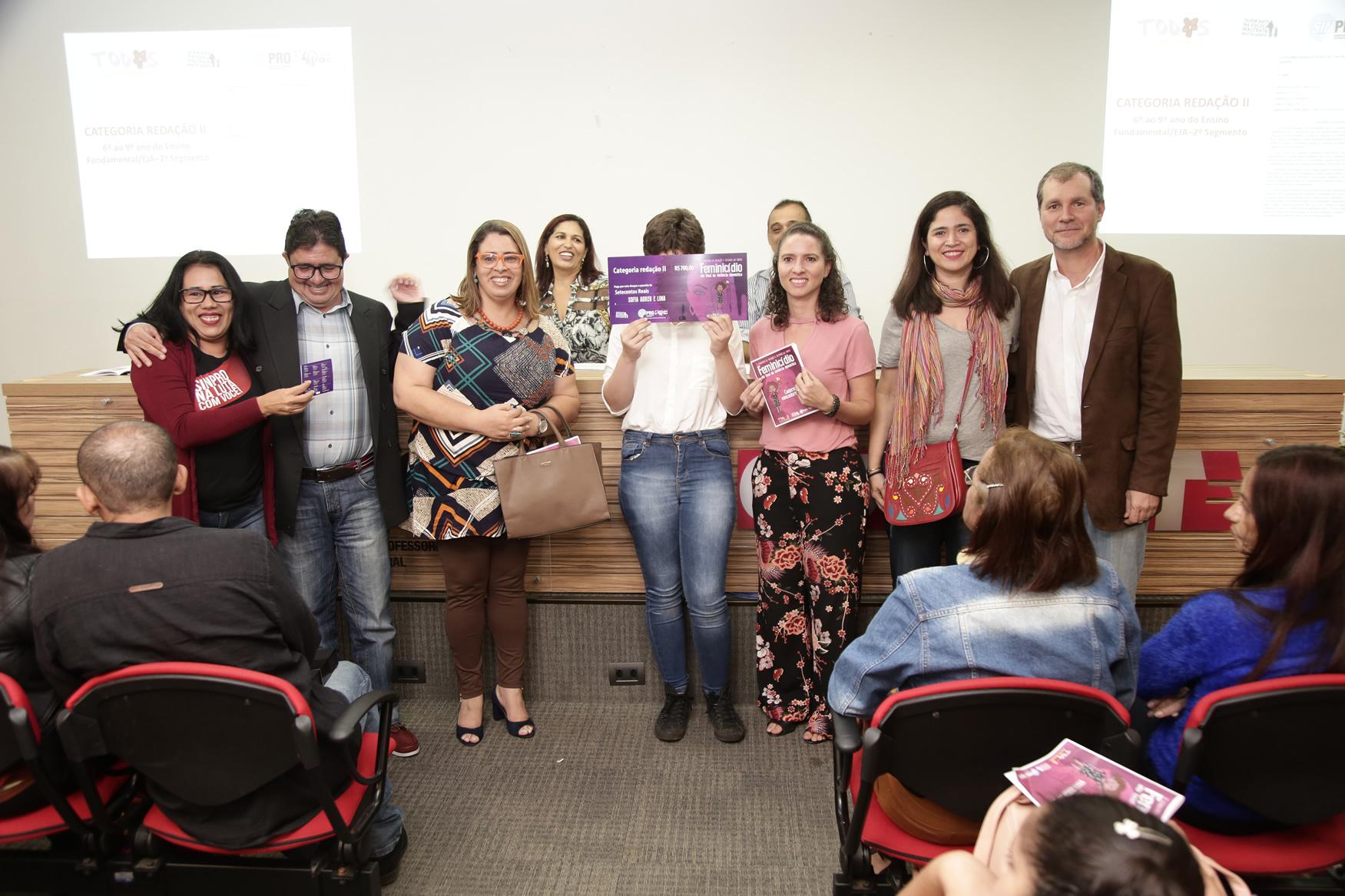 2019.05.19-Premiacao-do-X-Concurso-de-Redacao-do-Sinpro-DF_fotos-ECOM-63