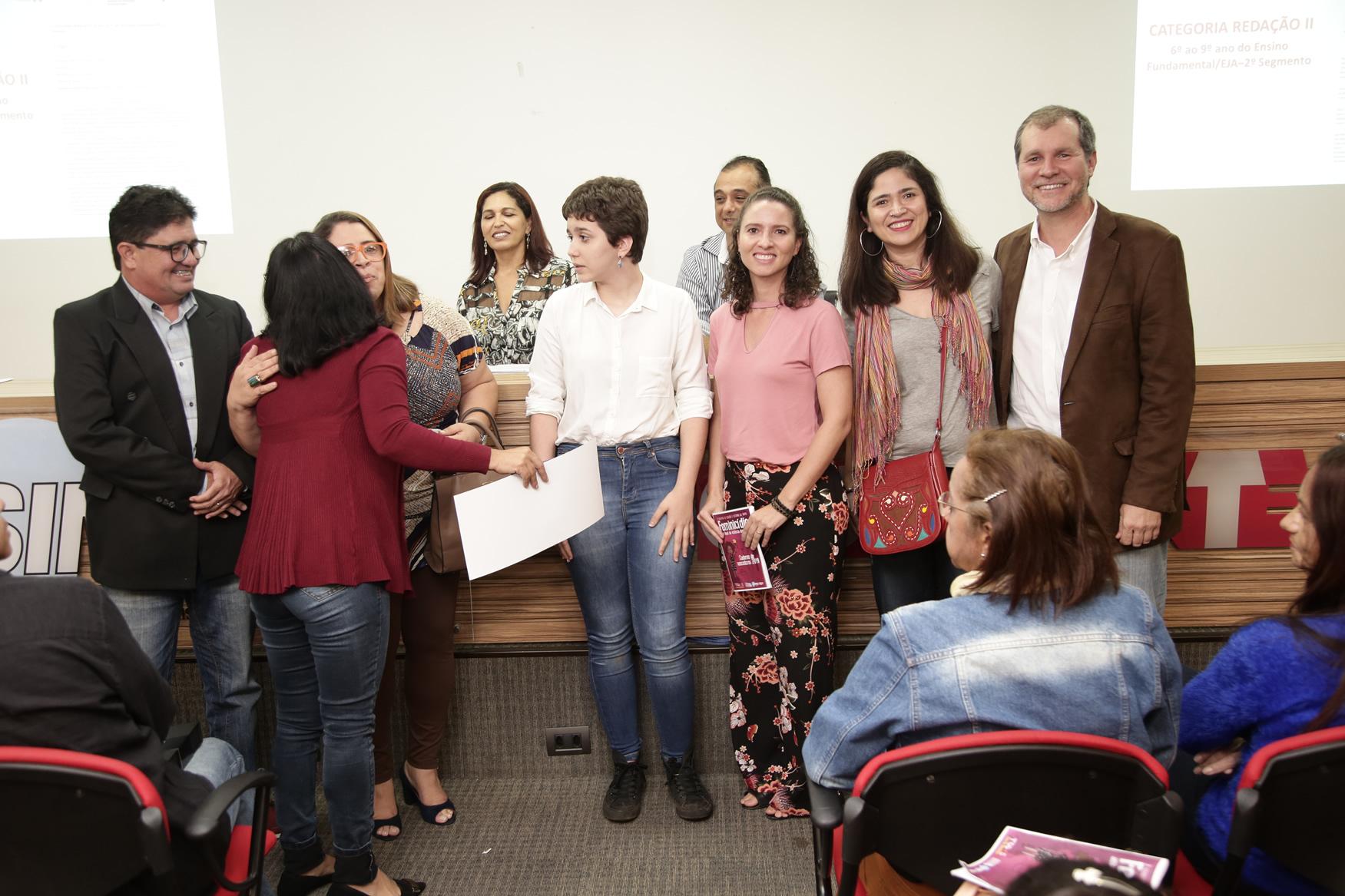 2019.05.19-Premiacao-do-X-Concurso-de-Redacao-do-Sinpro-DF_fotos-ECOM-66