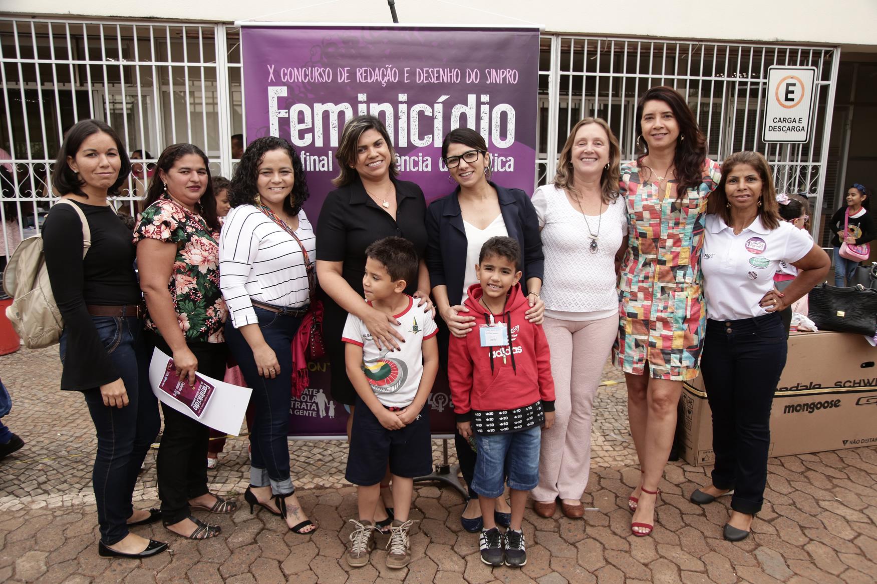 2019.05.19-Premiacao-do-X-Concurso-de-Redacao-do-Sinpro-DF_fotos-ECOM-7