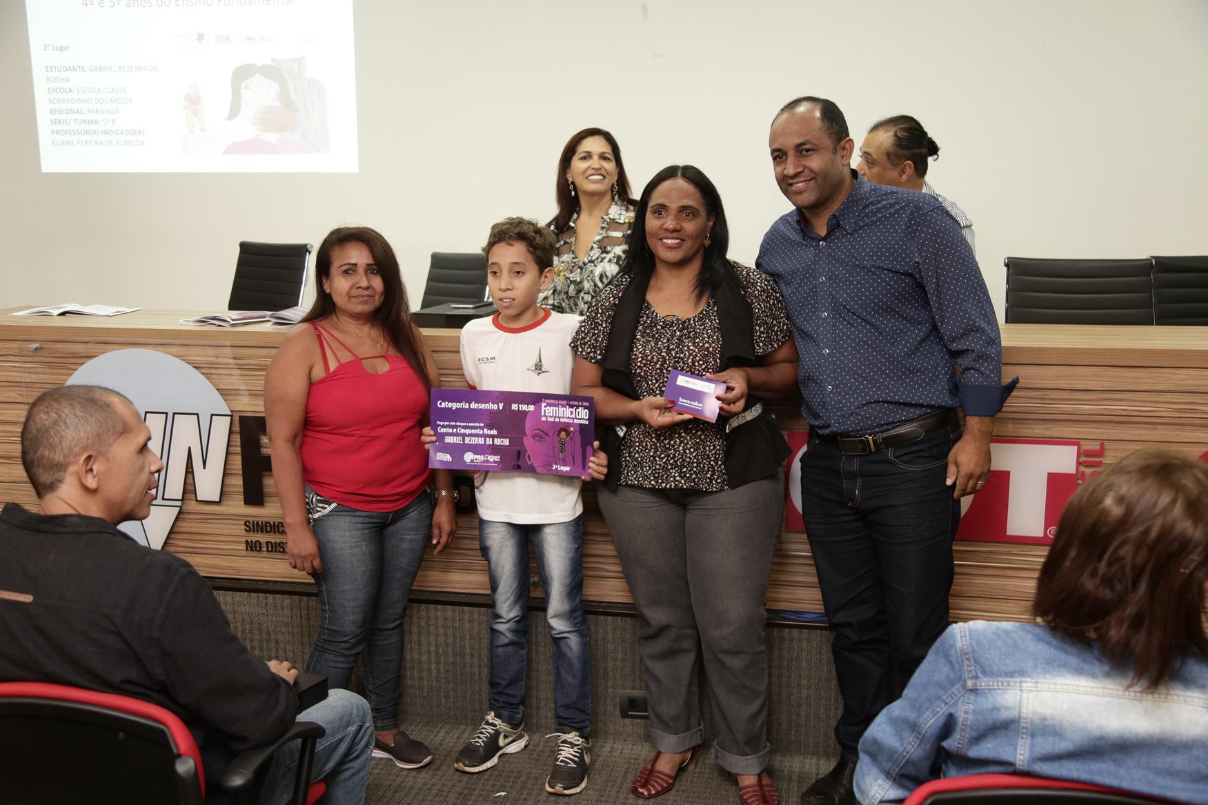 2019.05.19-Premiacao-do-X-Concurso-de-Redacao-do-Sinpro-DF_fotos-ECOM-75
