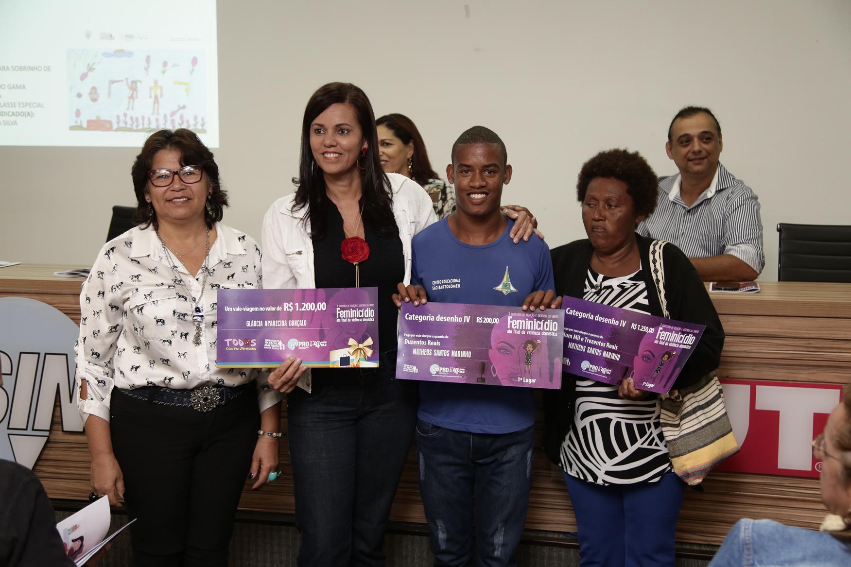 2019.05.19-Premiacao-do-X-Concurso-de-Redacao-do-Sinpro-DF_fotos-ECOM-76