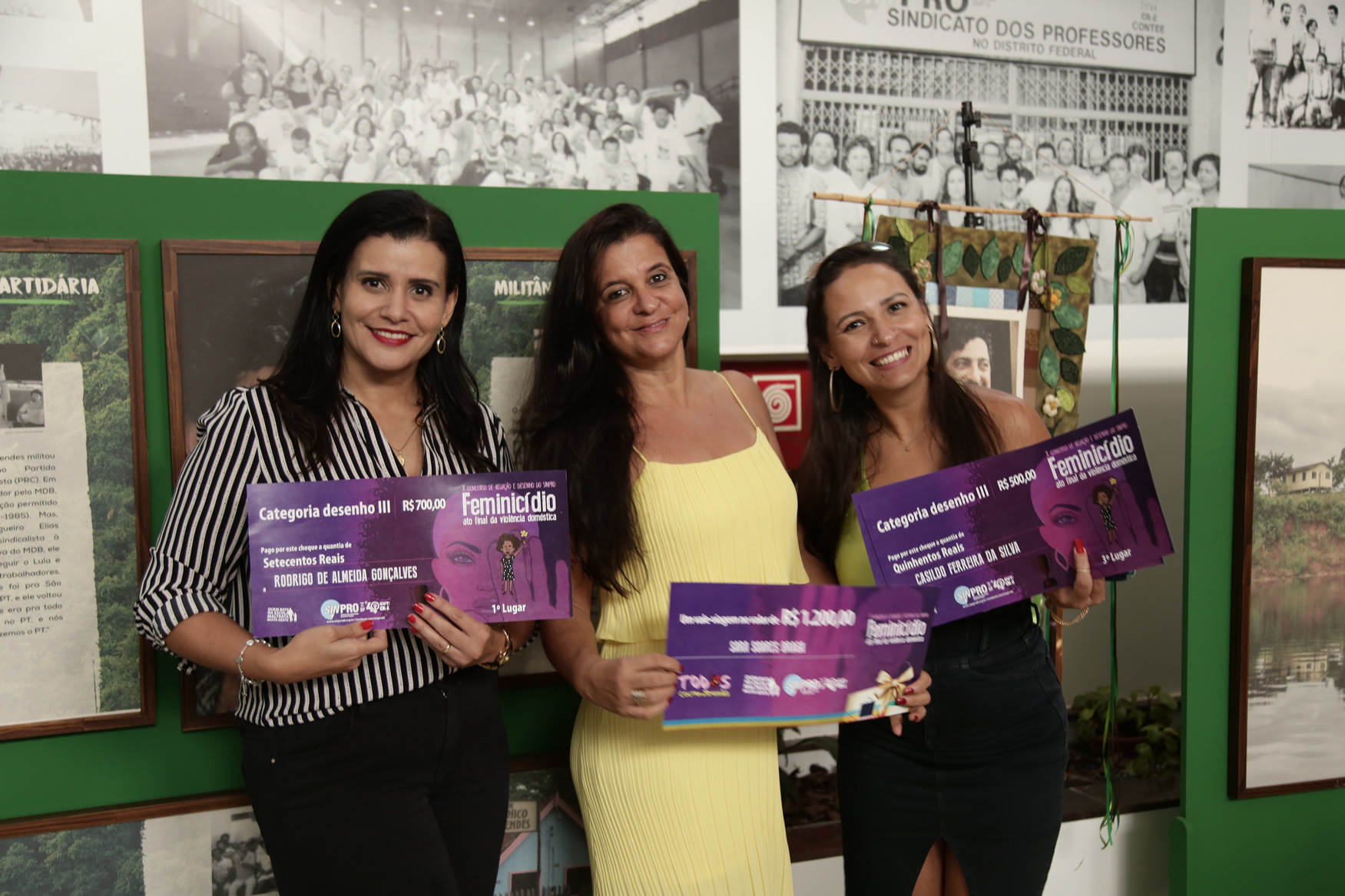 2019.05.19-Premiacao-do-X-Concurso-de-Redacao-do-Sinpro-DF_fotos-ECOM-9