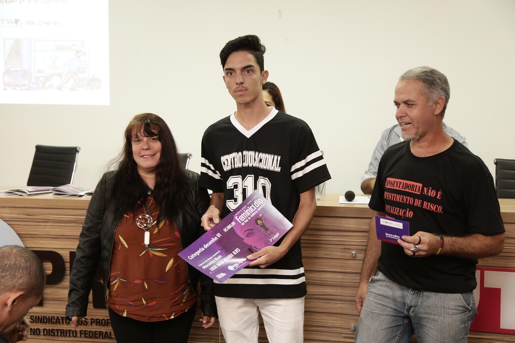 2019.05.19-Premiacao-do-X-Concurso-de-Redacao-do-Sinpro-DF_fotos-ECOM-97