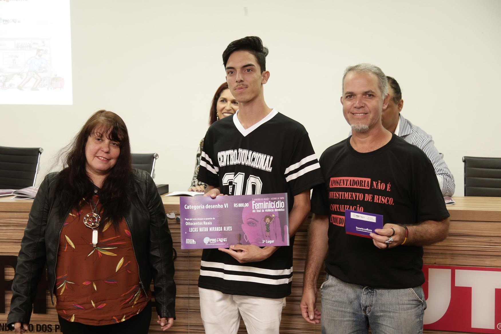 2019.05.19-Premiacao-do-X-Concurso-de-Redacao-do-Sinpro-DF_fotos-ECOM-99