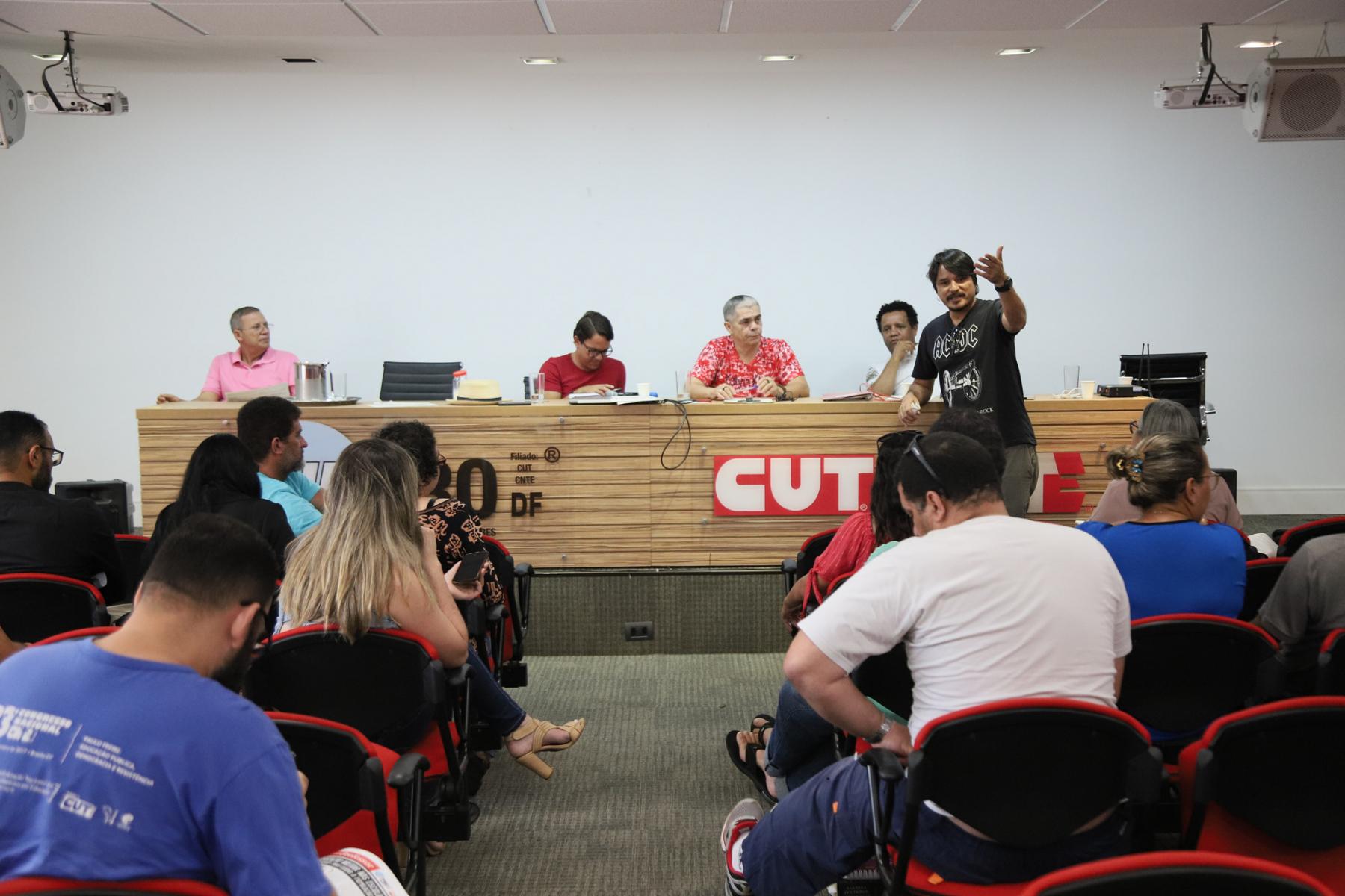 2019.01.17-Reuniao-sobre-Militarizacao-das-escolas-40