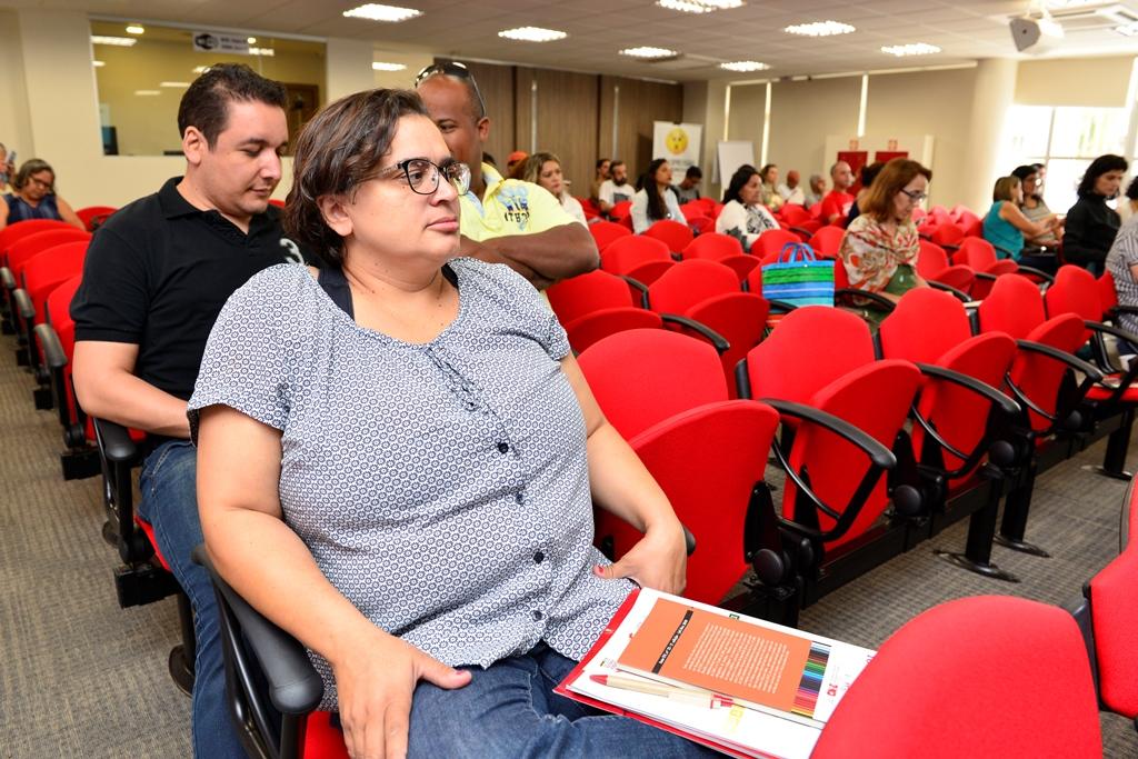 2016.12.03_Seminario Ensino Medio_Deva Garcia_foto (23)