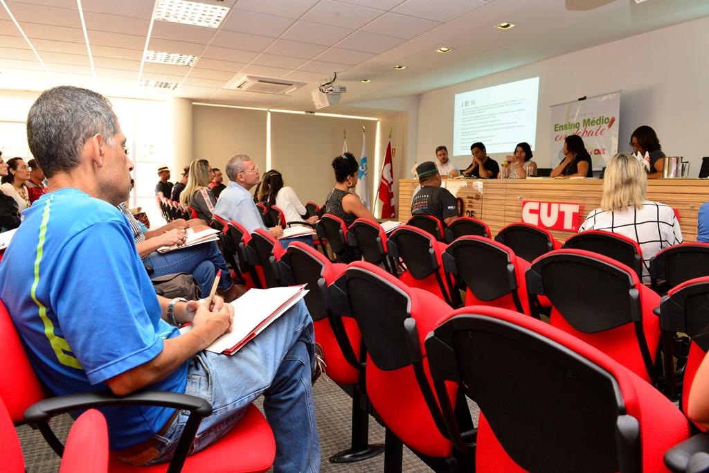 2016.12.03_Seminario Ensino Medio_Deva Garcia_foto (27)