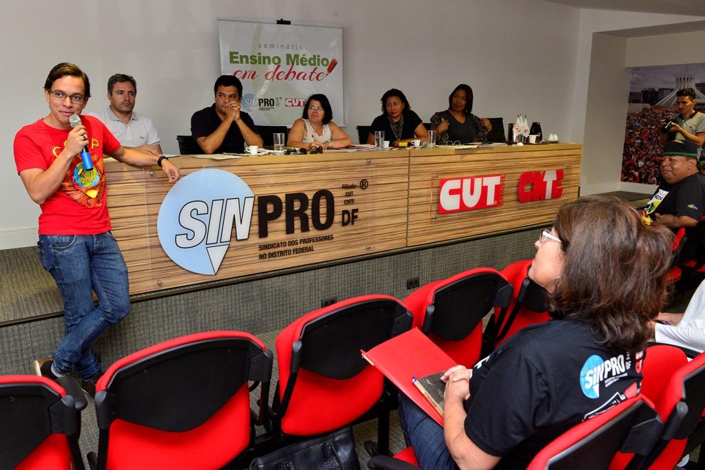 2016.12.03_Seminario Ensino Medio_Deva Garcia_foto (44)