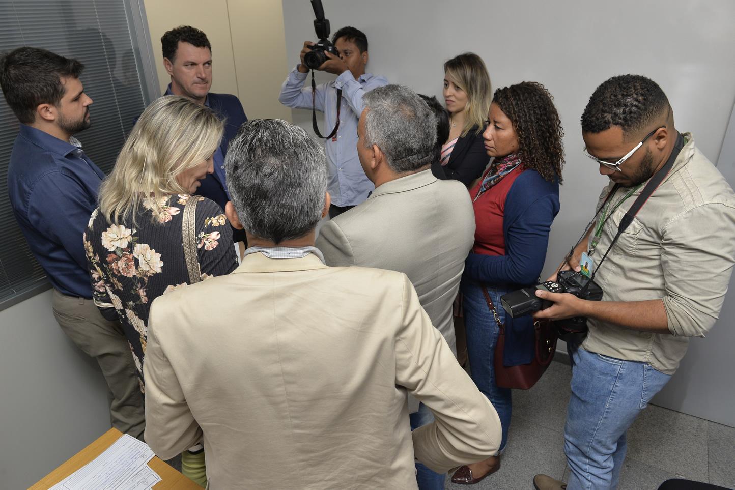 2019.06.13_Visita-aos-gabinetes-contra-o-fim-da-licenca-premio_fotos-Deva-Garcia-24