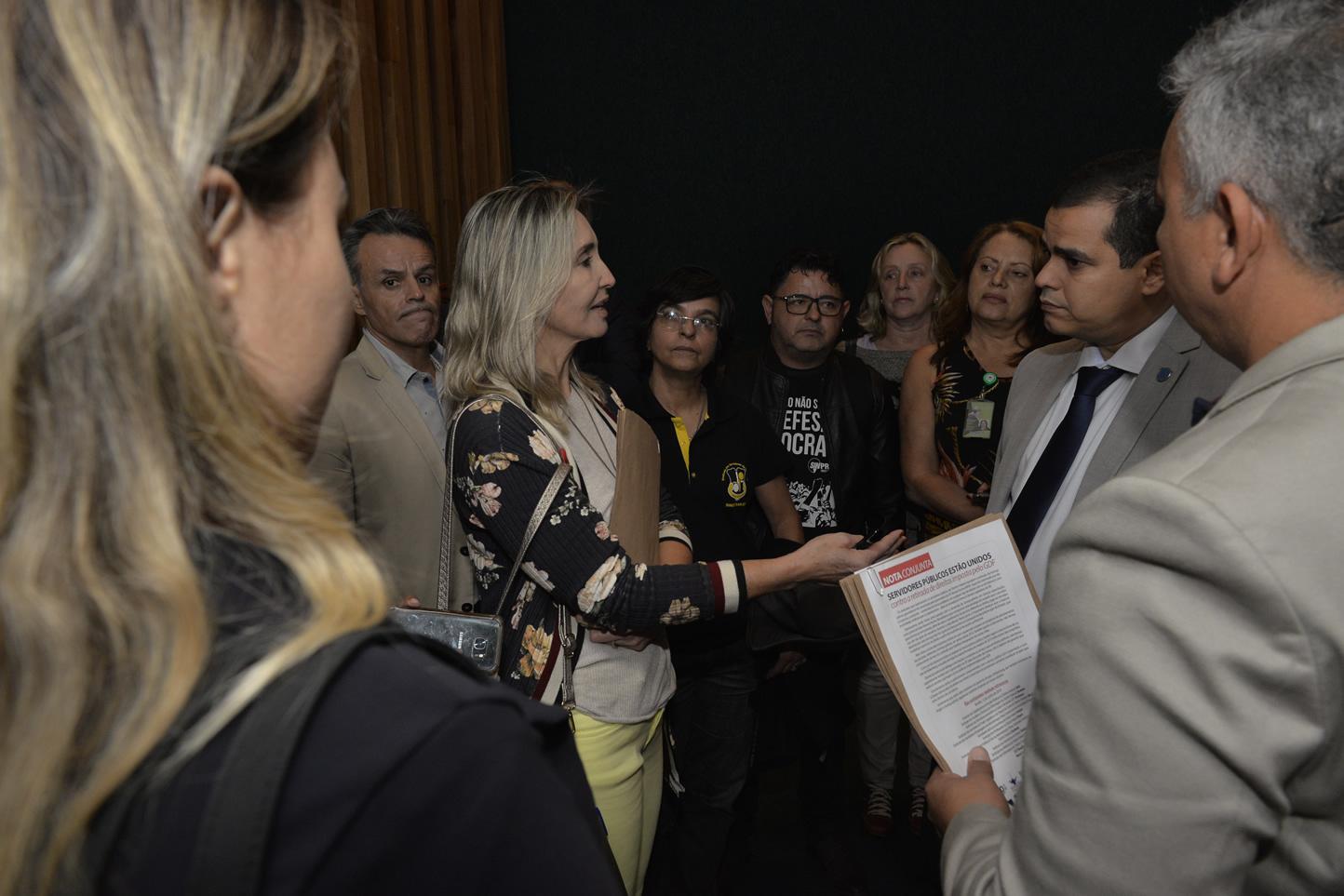 2019.06.13_Visita-aos-gabinetes-contra-o-fim-da-licenca-premio_fotos-Deva-Garcia-40