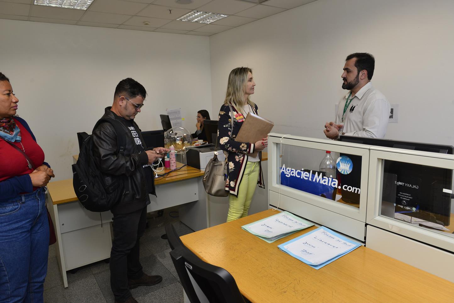 2019.06.13_Visita-aos-gabinetes-contra-o-fim-da-licenca-premio_fotos-Deva-Garcia-5