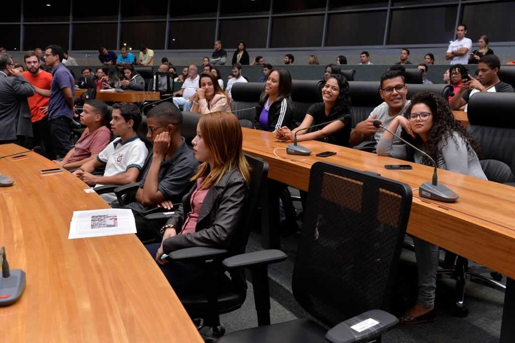 2018.04.16_Audiencia publica professores de educacao fisica_Deva Garcia (10)