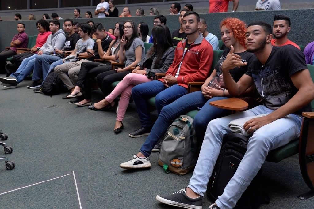 2018.04.16_Audiencia publica professores de educacao fisica_Deva Garcia (11)