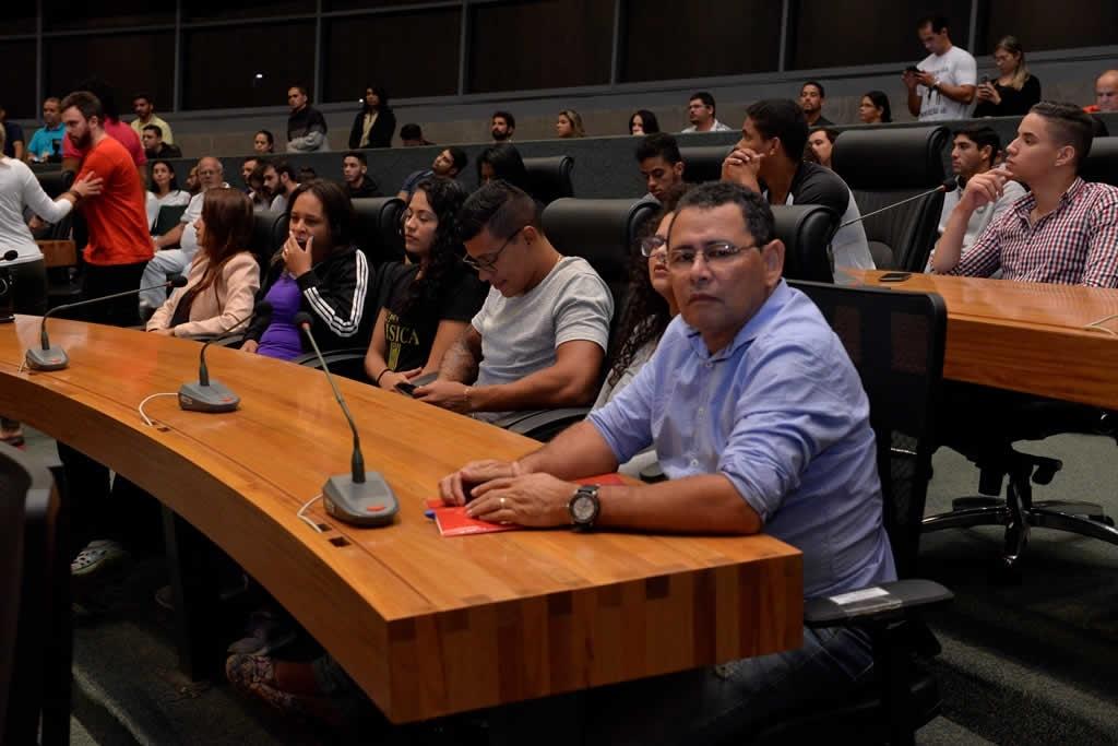 2018.04.16_Audiencia publica professores de educacao fisica_Deva Garcia (12)