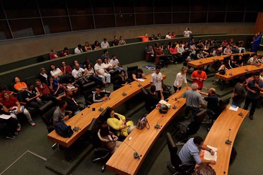 2018.04.16_Audiencia publica professores de educacao fisica_Deva Garcia (2)