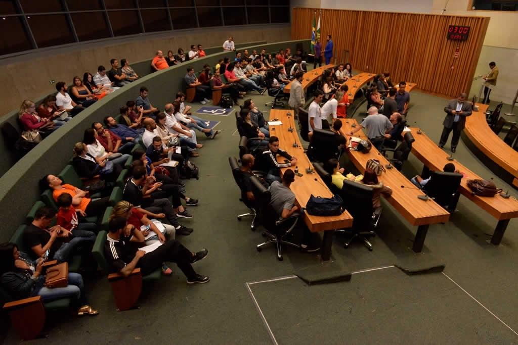 2018.04.16_Audiencia publica professores de educacao fisica_Deva Garcia (3)