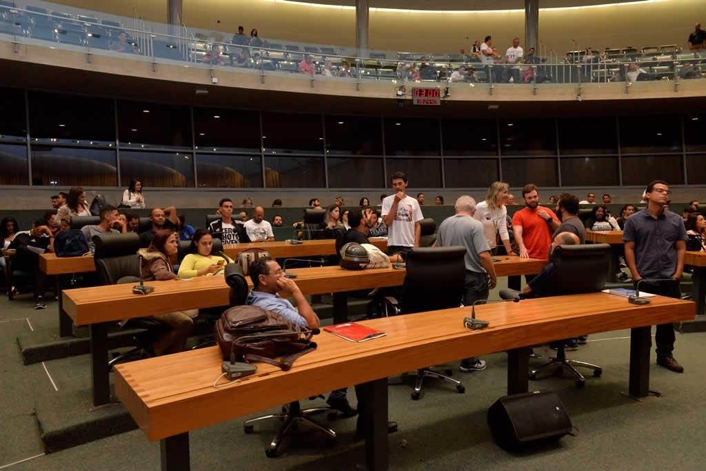 2018.04.16_Audiencia publica professores de educacao fisica_Deva Garcia (4)