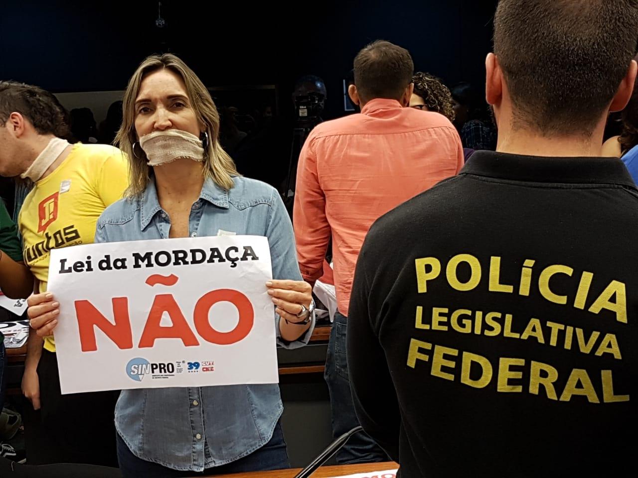 Fotos Lei da Mordaça Votacao (1)