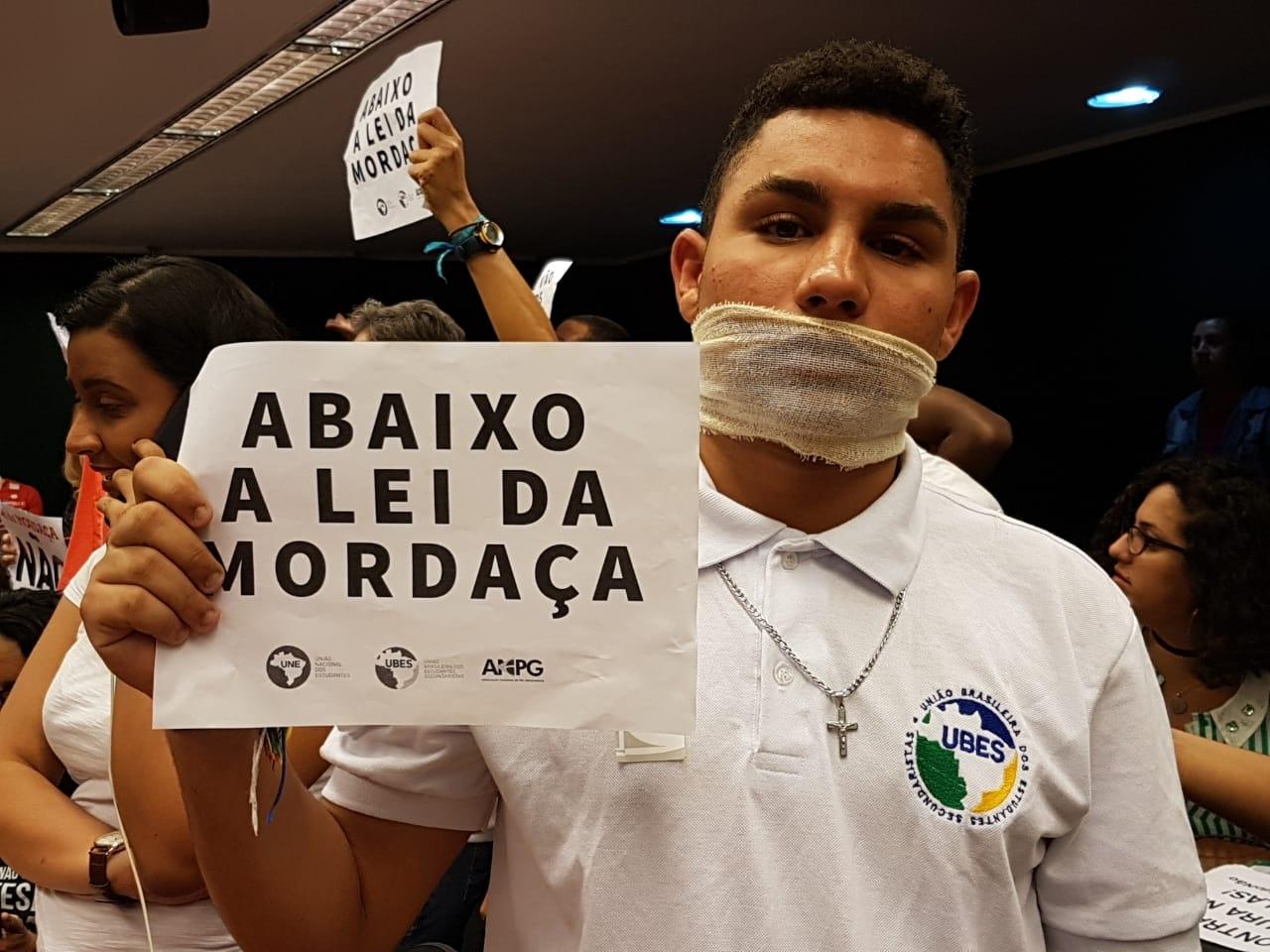 Fotos Lei da Mordaça Votacao (10)