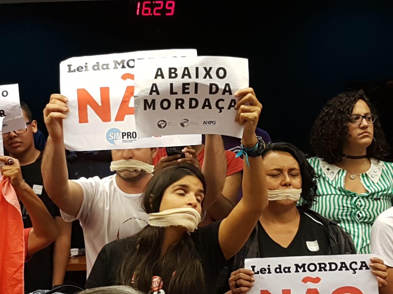 Fotos Lei da Mordaça Votacao (20)