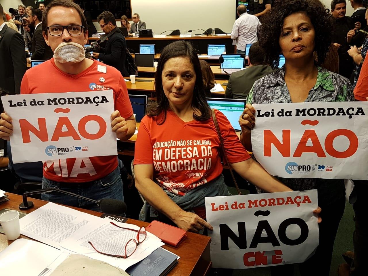 Fotos Lei da Mordaça Votacao (4)